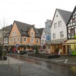 Hauptstraße - parduotuvių gatvė