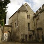 Vyskupų teismo salė ir kalėjimas