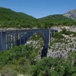 Gražusis tiltas per tarpeklį